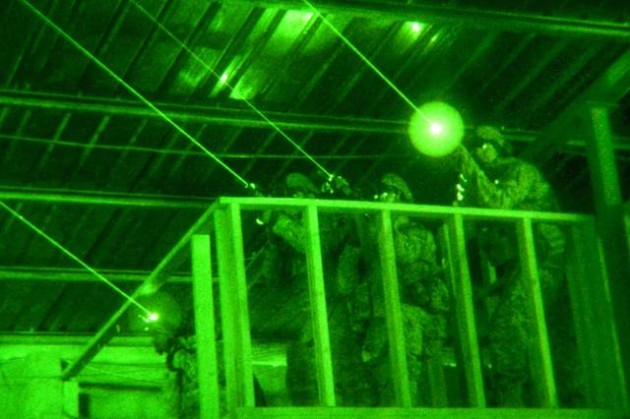 Army-night-vision-laser-sights-size0-army.mil-54346-2009-10-28-061006-630x419